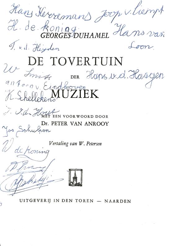 1962 Kaft boek uit Neerpelt van Cor Suijs: jongens schreven er zelf hun naam op
